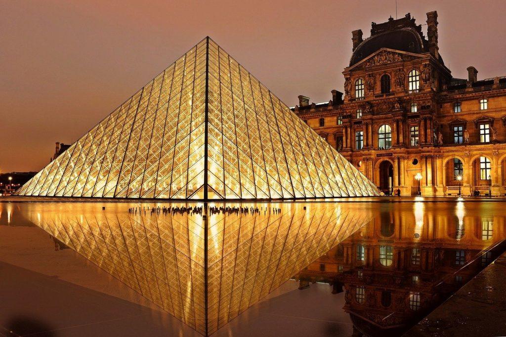 Taxis Paris Louvre